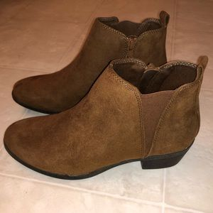 SO Ankle Boots